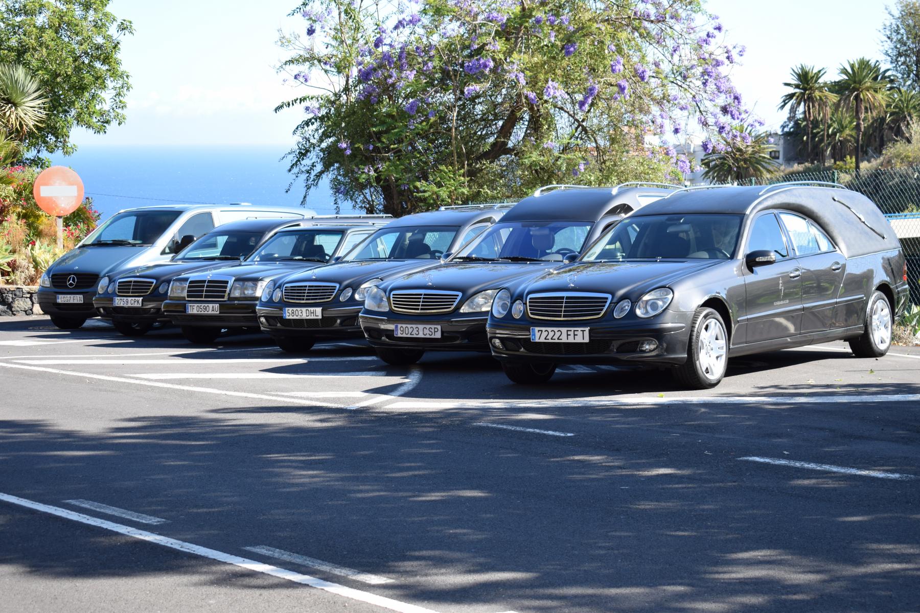Flota de vehiculos Funeraria Icod Torano