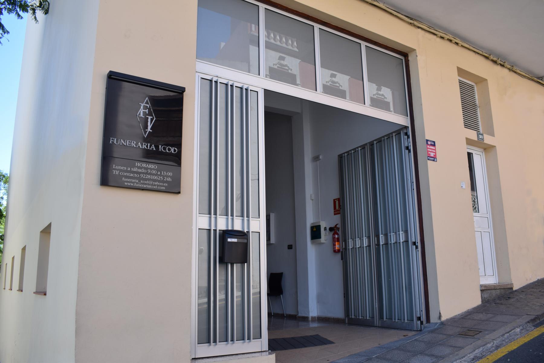 Fachada Oficina Icod Funeraria Torano